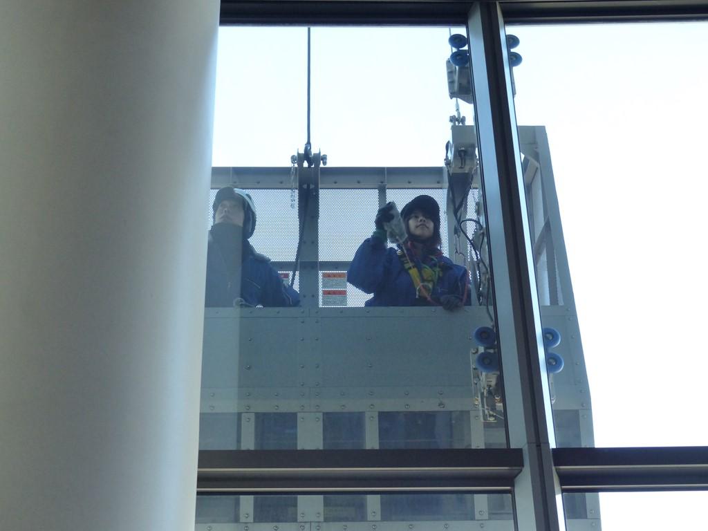 東京スカイツリー窓拭き