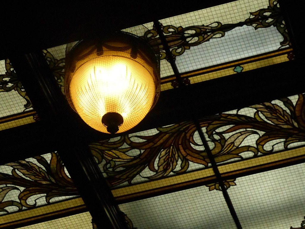 本会議場の照明